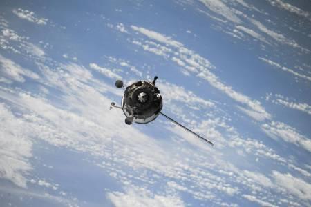 Сваленият от Индия сателит може да застраши Международната космическа станция