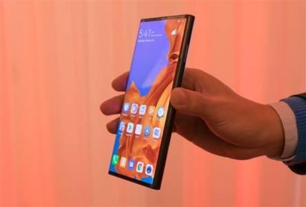 Гъвкави смартфони в джоба на всеки към 2021 г.