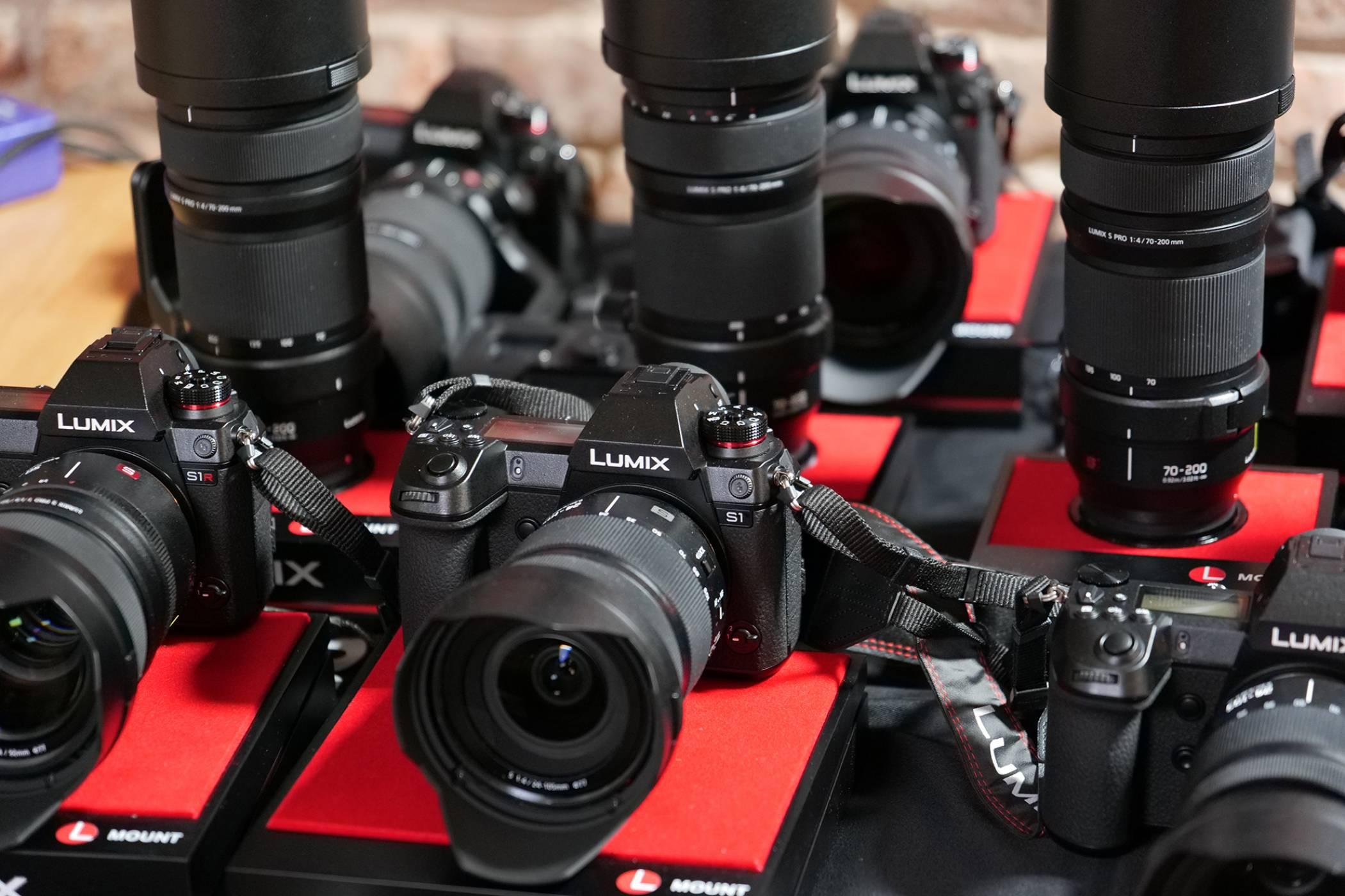 Panasonic представи LUMIX S1R and S1 в България