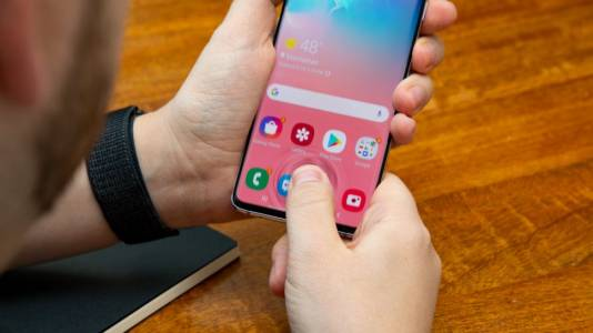 Добри новини за притежателите на Galaxy S10