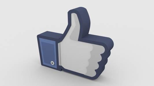 Facebook може да премахне бутона Like за младите си потребители