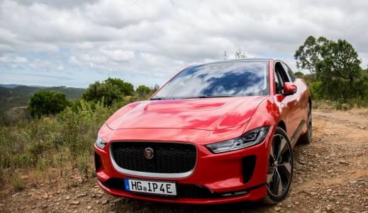 Електрическият Jaguar I-Pace покори едни от най-престижните автонагради