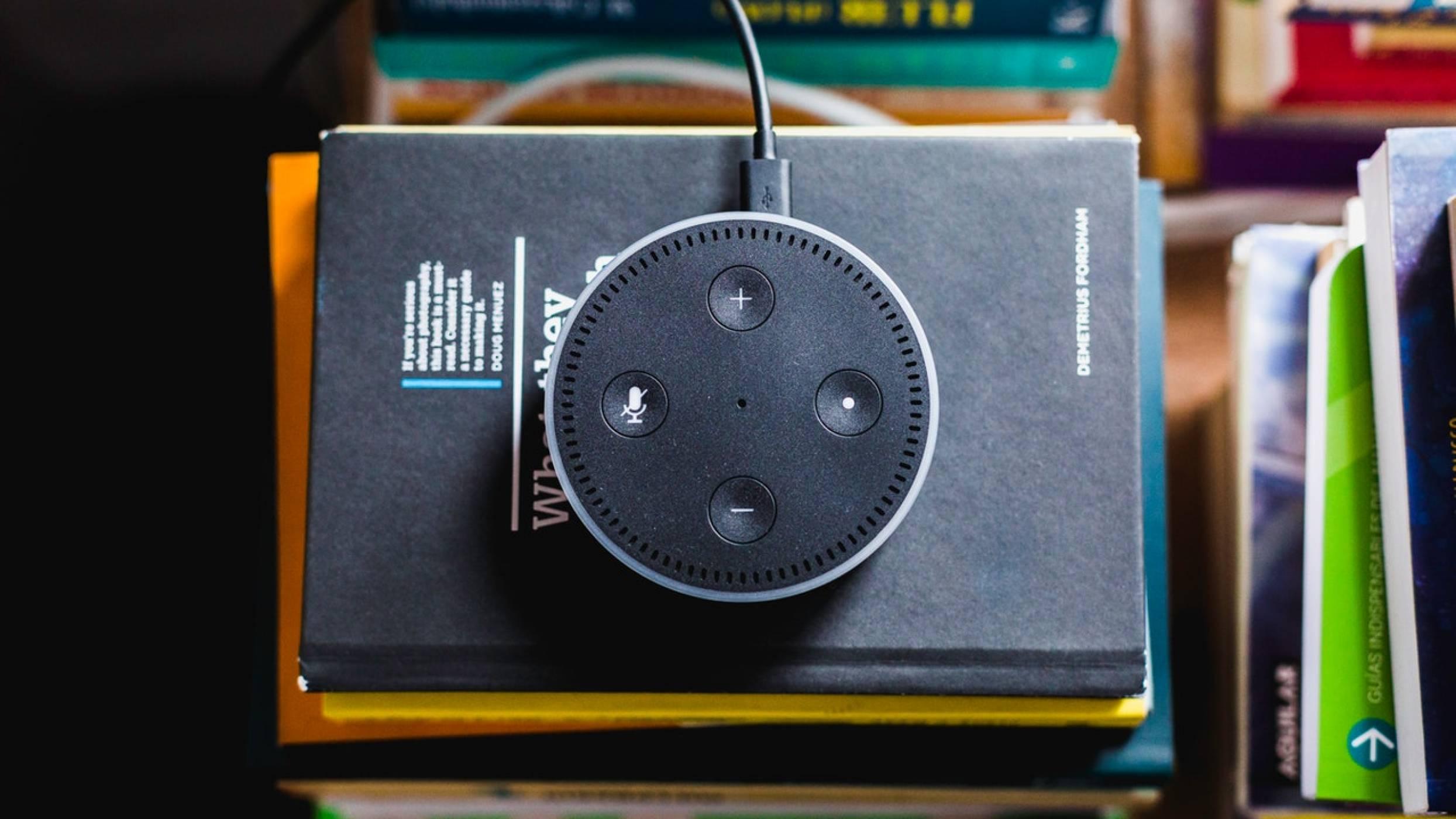 Facebook работи по свой AI помощник, който да конкурира Siri и Alexa