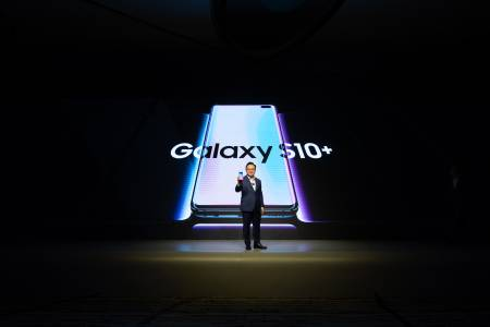 Samsung разкри как се продава Galaxy S10. Обяви и кога да очакваме Galaxy Fold