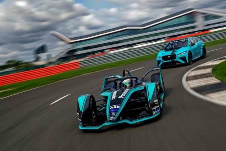 Електрическата Формула Е приключи четвърти пореден сезон на загуба