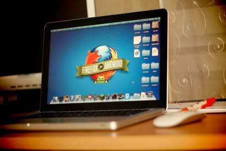 Firefox ни прави абсолютно незабележими в мрежата със софтуер за Deep Web