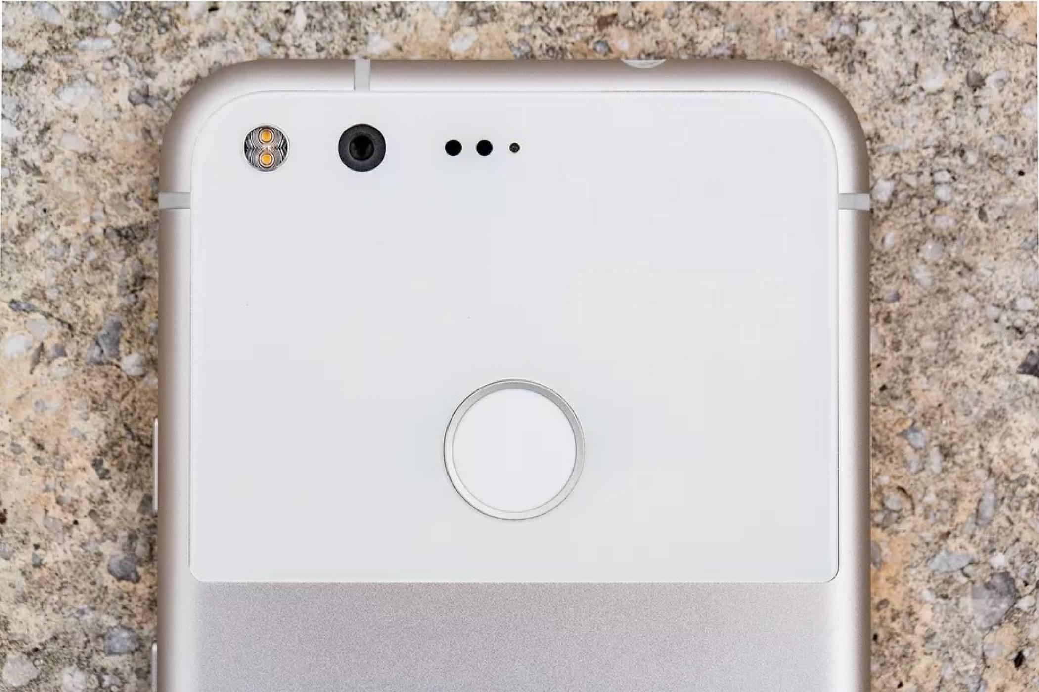 Google клекна - плаща по 500 долара на дефектен Pixel