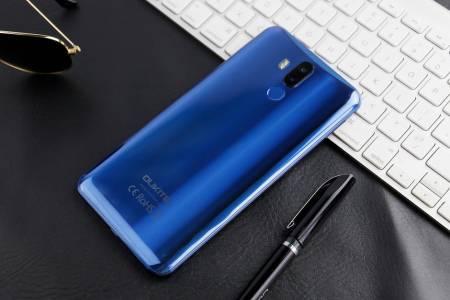 Голямо, по-голямо, Oukitel K9 - телефонът с най-голям екран (ВИДЕО)