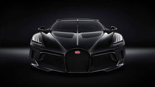 Искаш ли електромобил, или предпочиташ разходка с Кристиано Роналдо в Bugatti La Voiture Noire?