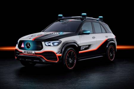 Ето как Mercedes гарантира безопасността на пътниците в колата на бъдещето