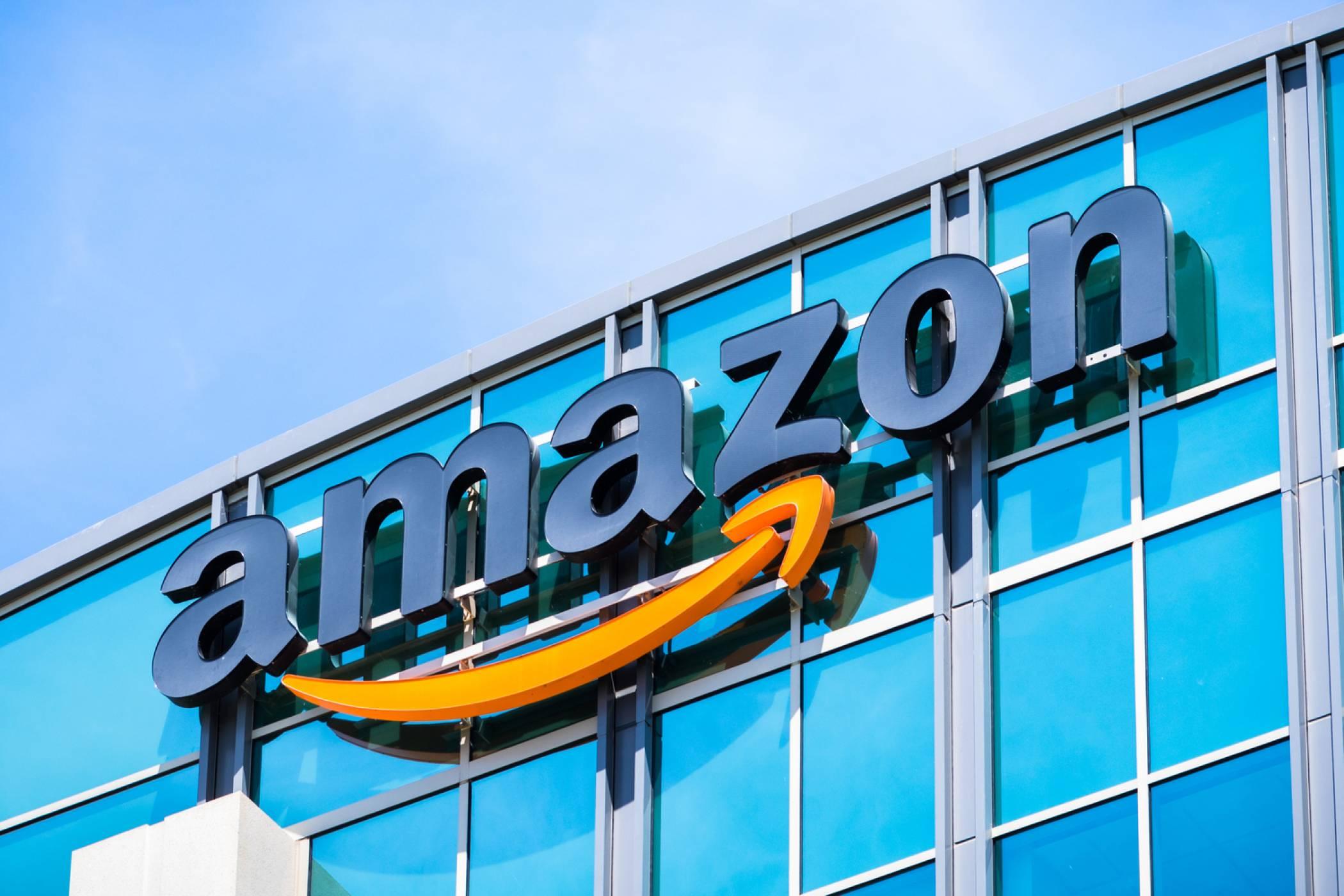 Amazon продаде телефон, който още дори не е обявен (ВИДЕО)