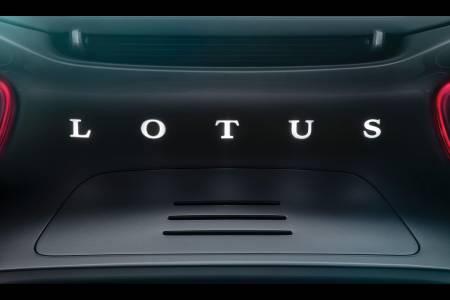 Lotus Type 130 е първата е-кола на марката, но търсенето ще е неимоверно (ВИДЕО)