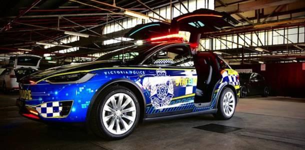 Полицейска Tesla Model X ще гони лошите като в екшън филм (ВИДЕО)