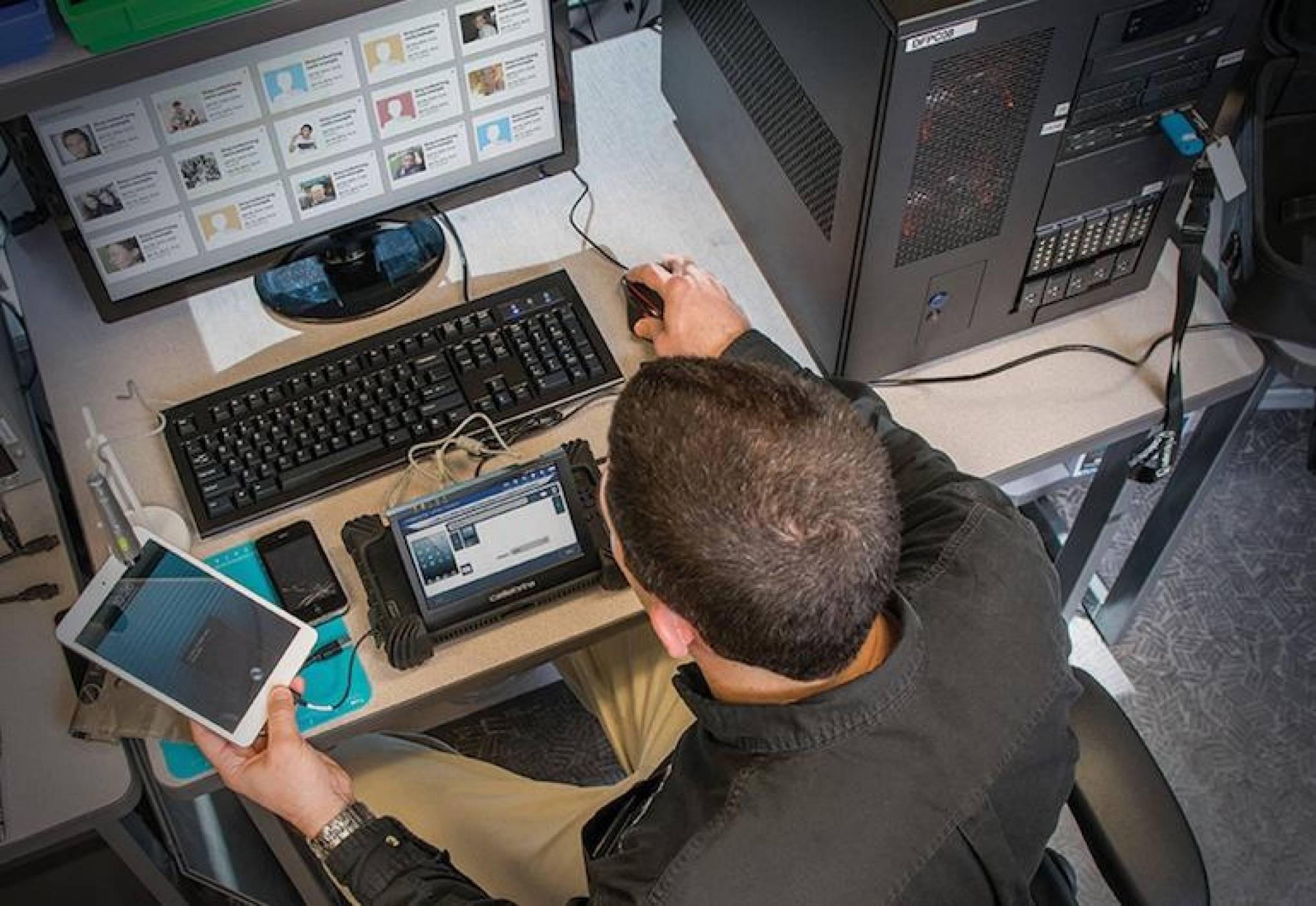 Хакерско устройство дава пълен достъп на полицията до вашия iPhone