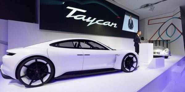 Porsche свали шапка на Tesla – вижте защо
