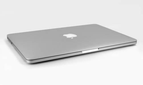 Очаквайте 16-инчовия MacBook Pro още тази година