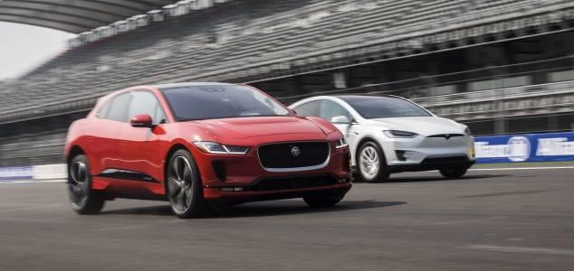 Jaguar дразни Tesla с дръзка реклама на I-Pace