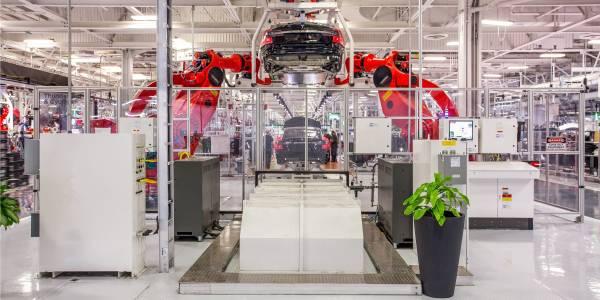 Защо трети вицепрезидент напусна Tesla за седмица?