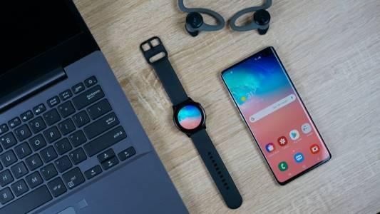 Новият Samsung Galaxy Watch Active 2 е много Apple Watch (ВИДЕО)