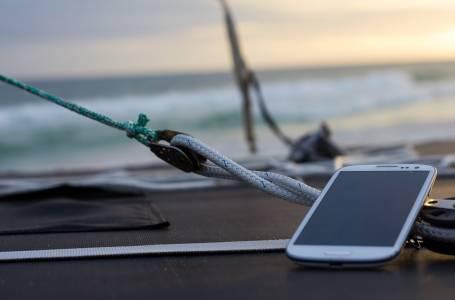 Не тръгвайте на лятна ваканция без тези полезни мобилни приложения