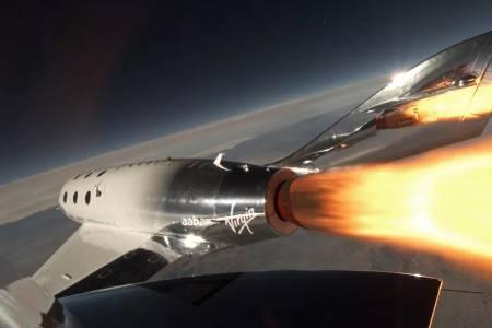 Virgin Galactic става първата компания за космически туризъм с акции на борсата