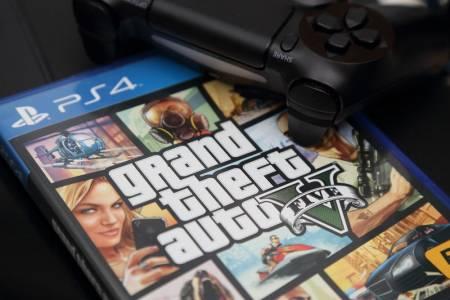 """Политик помисли видео от GTA V за истинско, описа го като """"предотвратяване на огромна трагедия"""" (ВИДЕО)"""