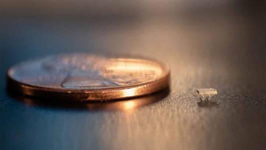 Космос! Тези роботи са толкова малки, че може изобщо да не ги забележите (ВИДЕО)