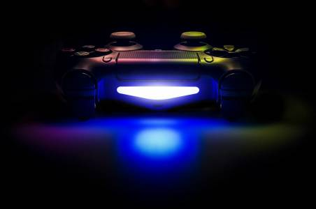 Sony предлага начин да печелите пари, играейки на PS4 (ВИДЕО)