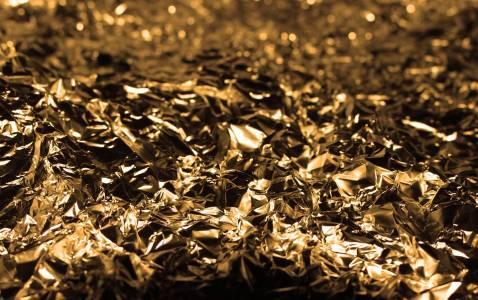 Учени създадоха 2D злато, милион пъти по-тънко от нокът
