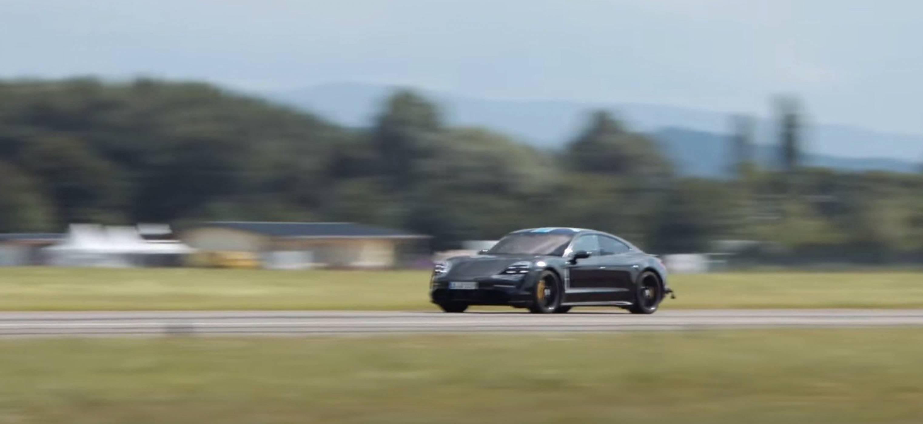 Вижте как Porsche Taycan прави това, което Teslа не може (ВИДЕО)