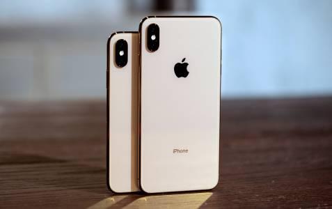 Имена на новите iPhone-и