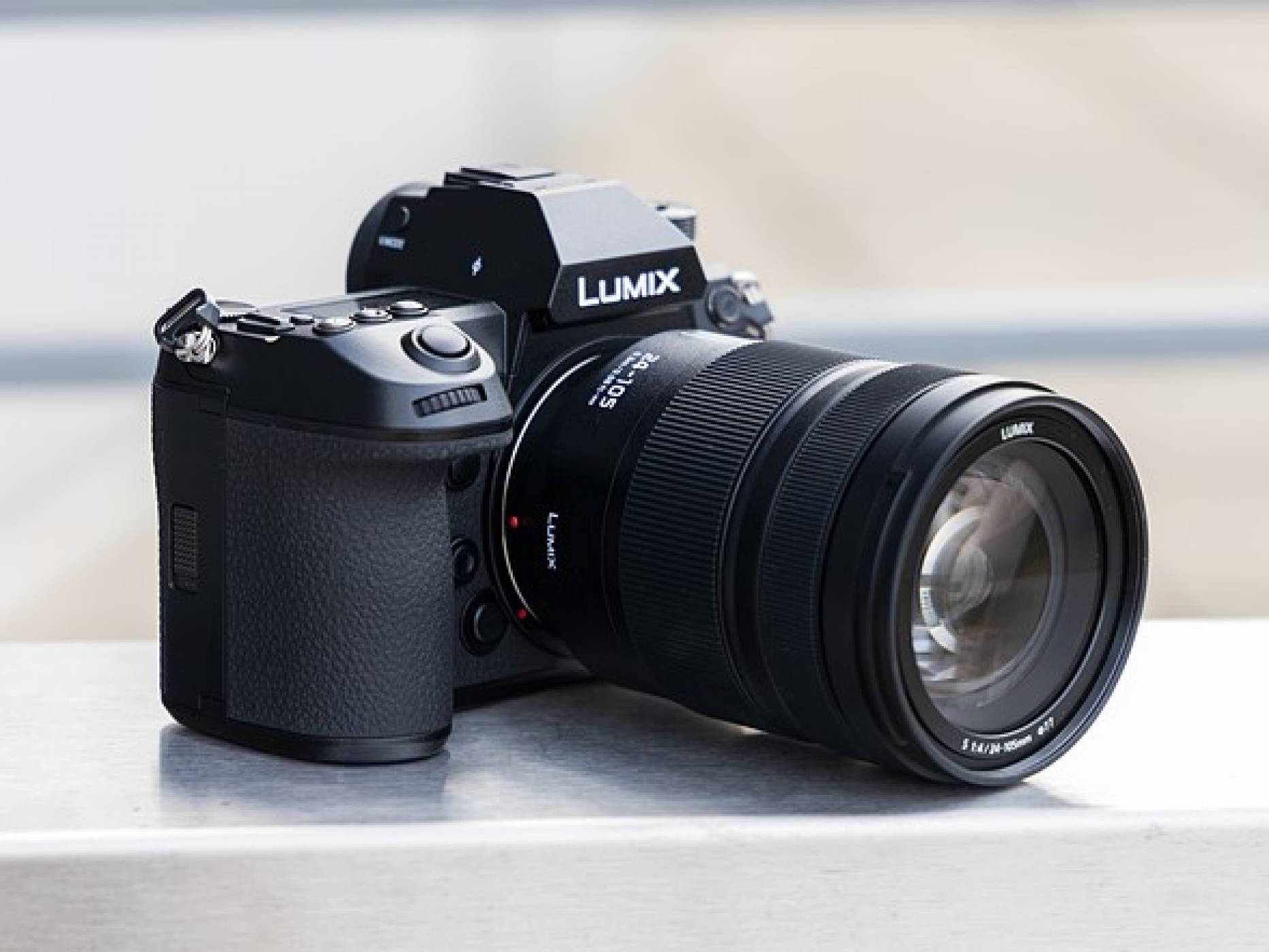 LUMIX DC-S1R на Panasonic получи наградата на EISA за Full Frame камера