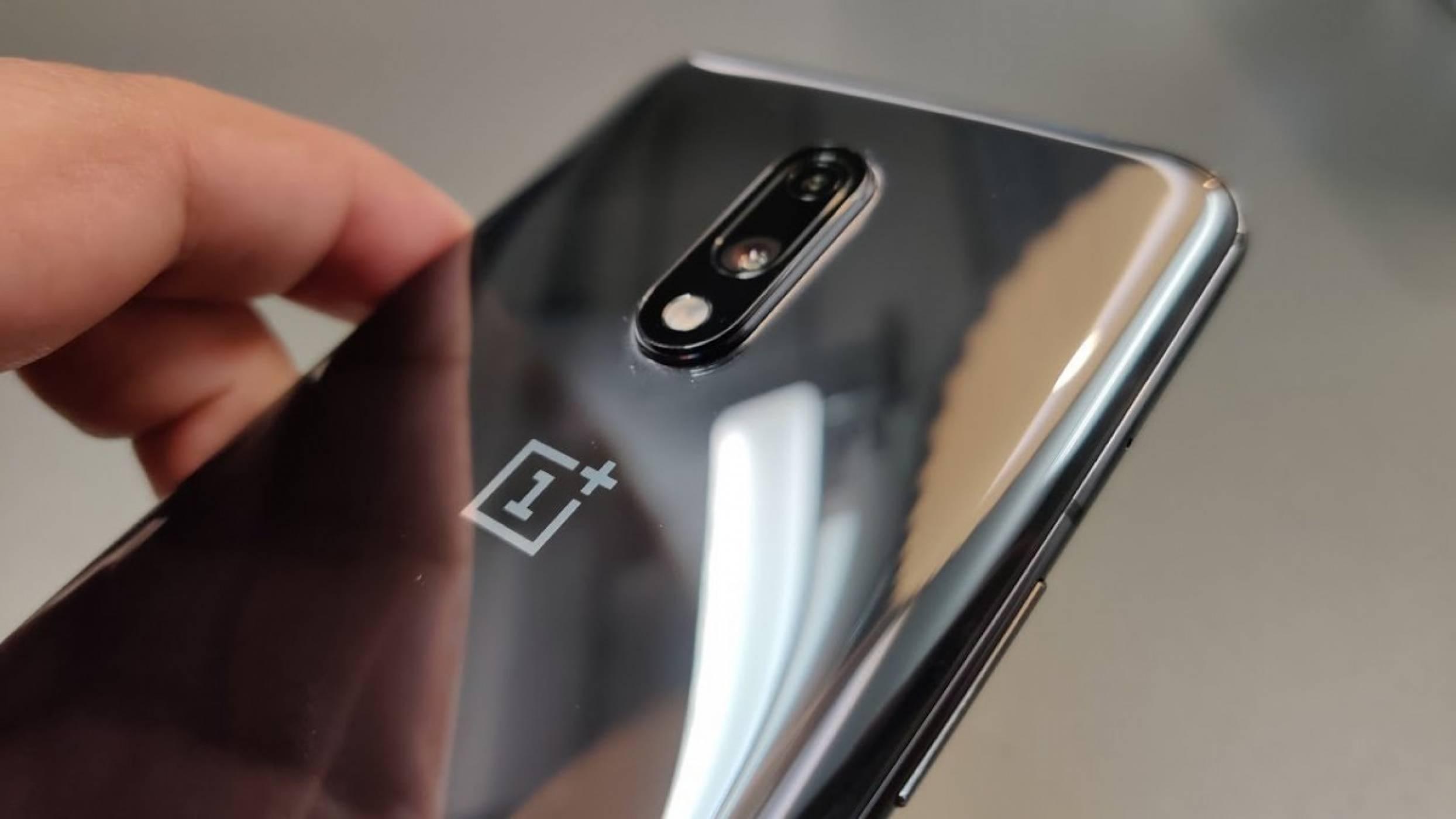 OnePlus 7T  ще бъде нагрухан OnePlus 7. Вижте какво още ще бъде на база последните изтекли детайли
