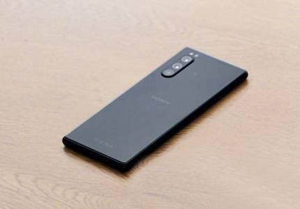 Sony Xperia 2 наднича от изтекли материали