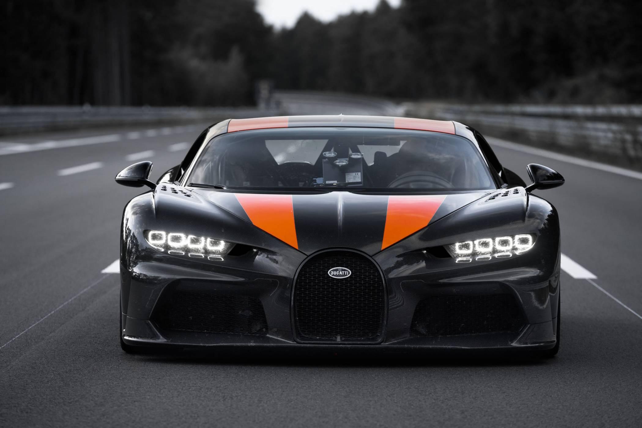 Вижте какво може най-бързата кола в света (ВИДЕО)