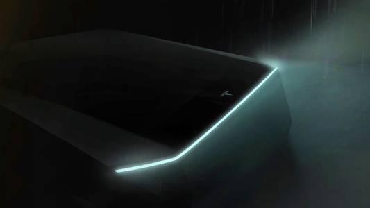 Най-новият член на семейството на Tesla идва през ноември
