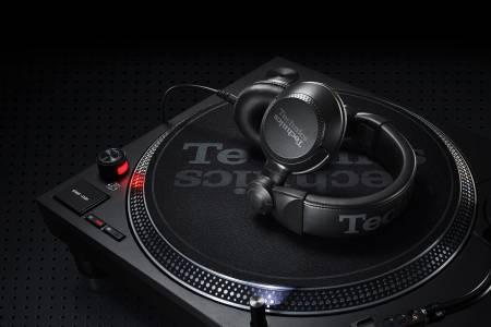 IFA2019: Technics представи два нови модела слушалки