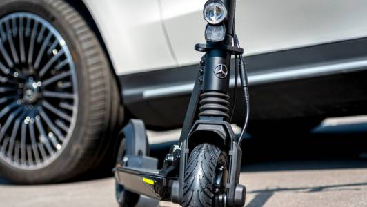 Mercedes пуска е-скутери другата пролет