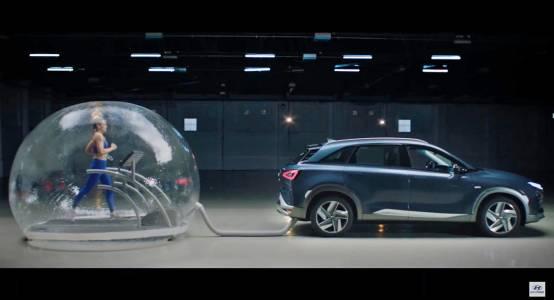 """Олимпийска шампионка """"лапна"""" ауспуха на екологичен Hyundai (ВИДЕО)"""