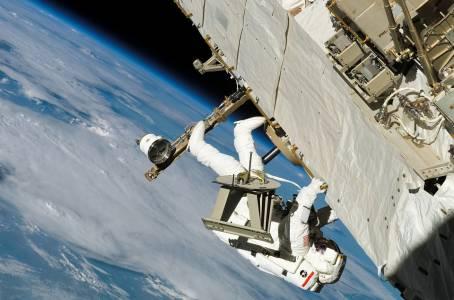За пръв път в историята две жени излязоха на космическа разходка