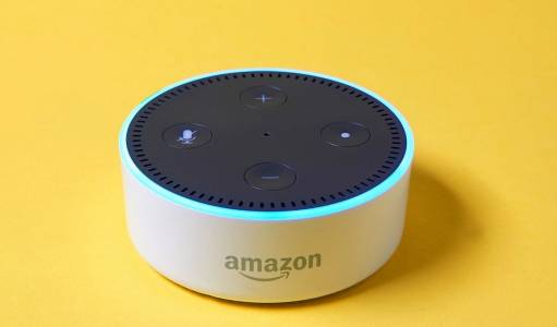 Google и Amazon одобряват за умните си колонки приложения, които ви подслушват