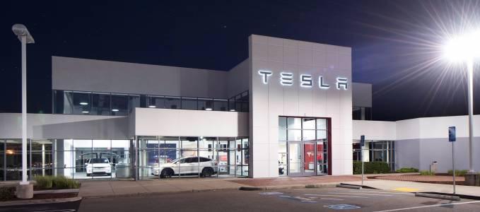 VW призна Tesla за конкурент, голям ли е за двама пазарът?