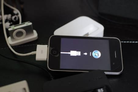 Поправките на Apple ѝ струват повече, отколкото ни таксуват