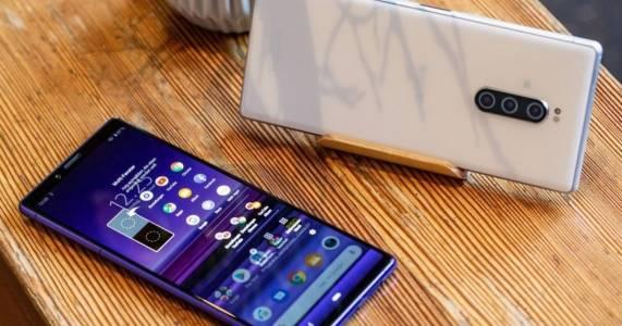 Повече смартфони, повече ударени глави