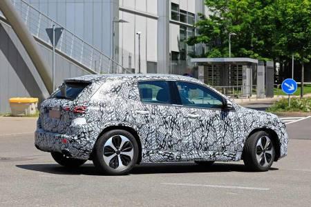 Новата GLA на Mercedes ще бъде обявена днес