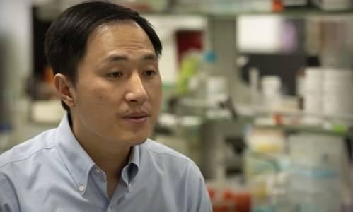 Ученият, който манипулира бебешки гени, ще лежи 3 години
