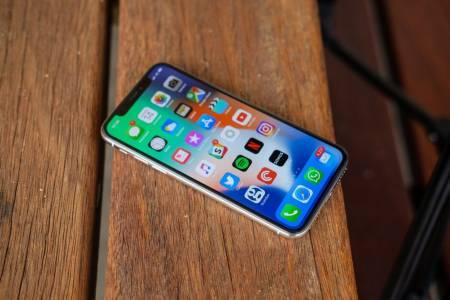 iPhone крачи към изключителен рекорд