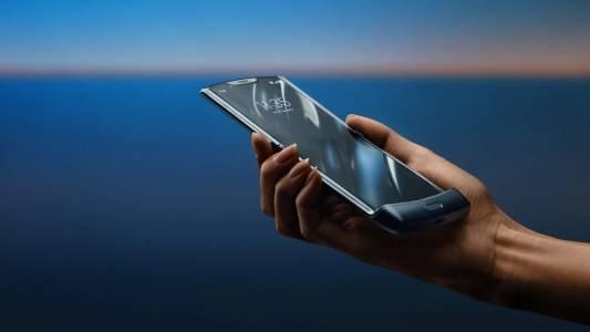 Гъвкавият Motorola Razr ще има и 5G версия