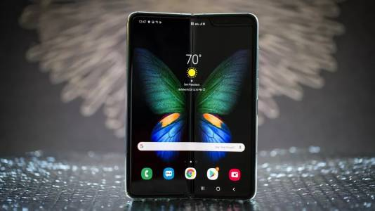 Новият и подобрен Samsung Galaxy Fold 2 идва през пролетта