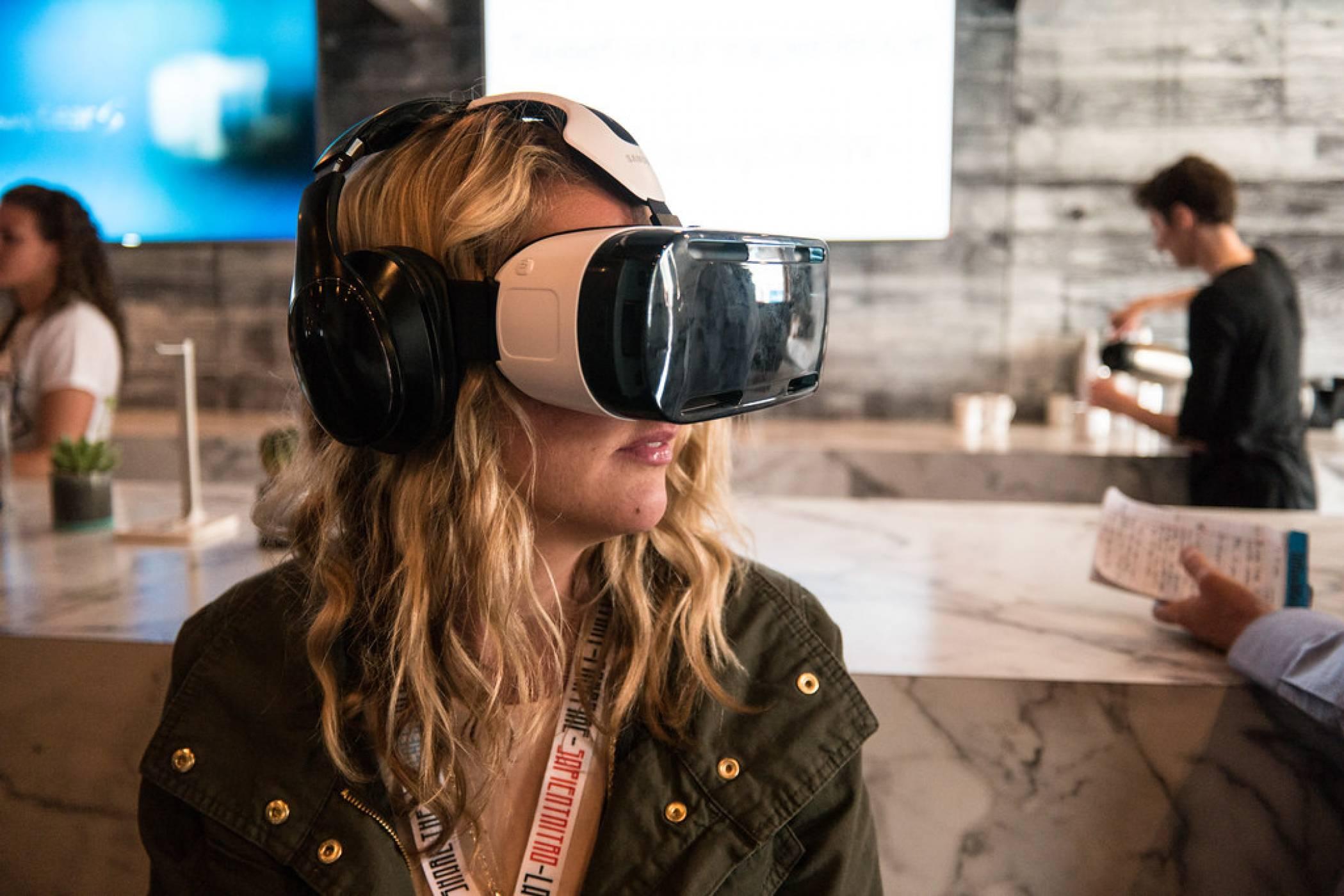 Рекорден брой VR шлемове в Steam през декември